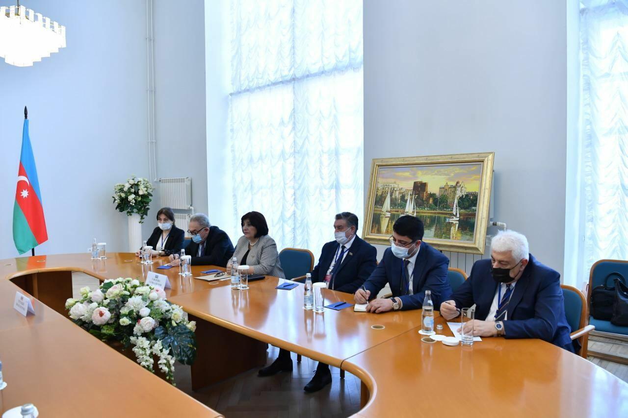 Сахиба Гафарова провела встречу со спикером парламента Молдовы