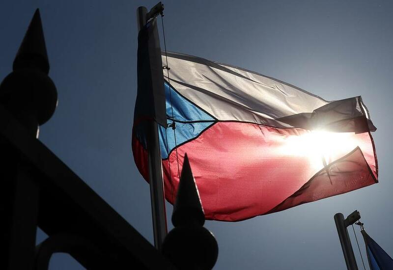 Чехия высылает 18 сотрудников посольства России