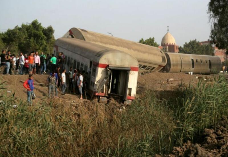 В Египте при сходе поезда с рельсов погибли 11 человек, 98 получили ранения