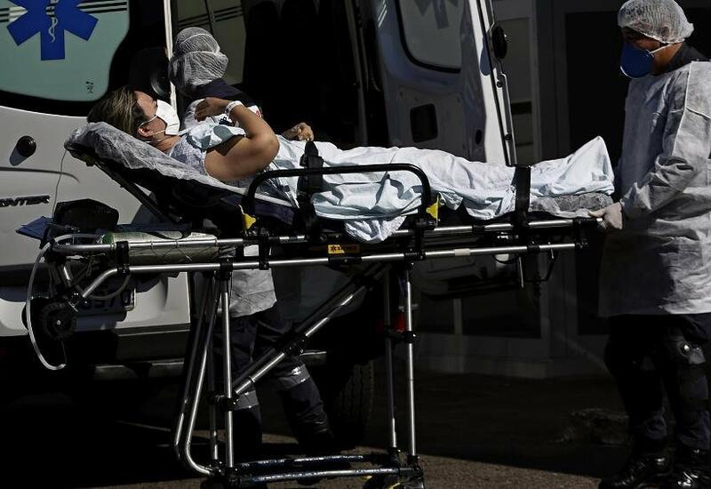 Франция закрывается от новых штаммов коронавируса
