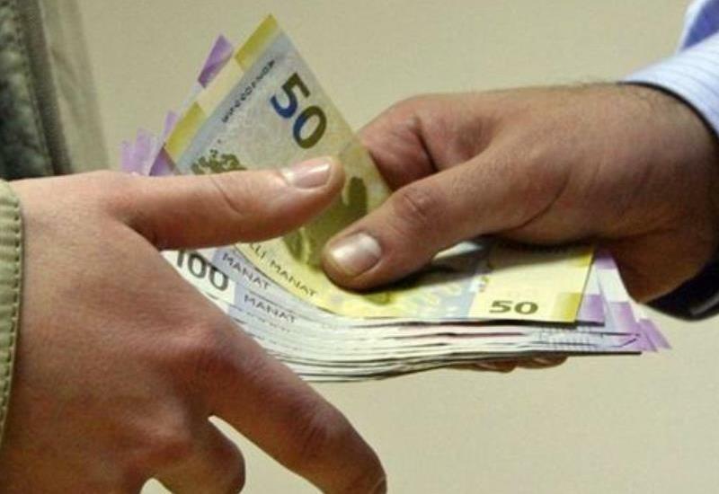 В Азербайджане чиновника поймали в момент получения взятки