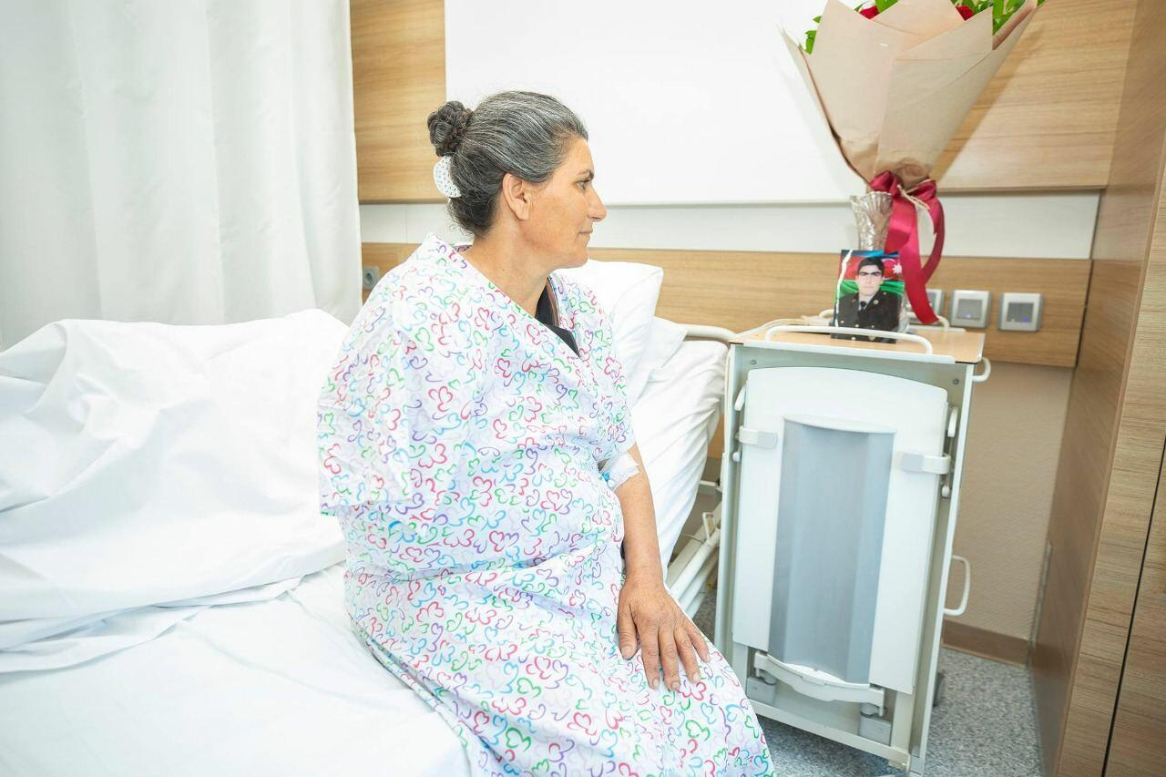 Фонд YAŞAT оплатил хирургические операции ветерана войны и матери еще одного шехида