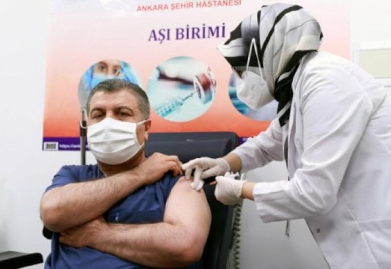 Турция начинает вакцинацию от COVID-19 лиц старше 55 лет