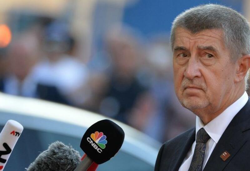 Чешский премьер назвал неадекватной реакцию России на высылку дипломатов из Праги