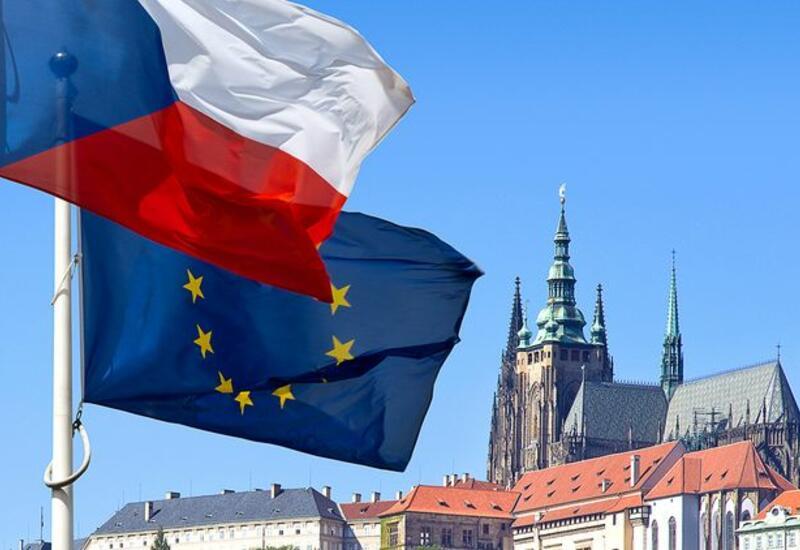 Чехия призвала союзников по Евросоюзу и НАТО выслать офицеров спецслужб РФ