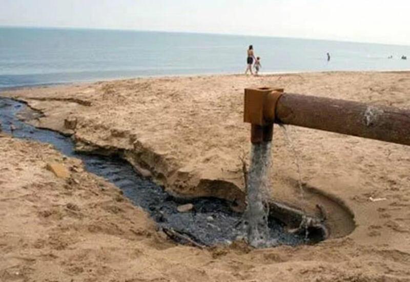 Опасная ситуация в поселках Баку: к чему приводит отсутствие канализации