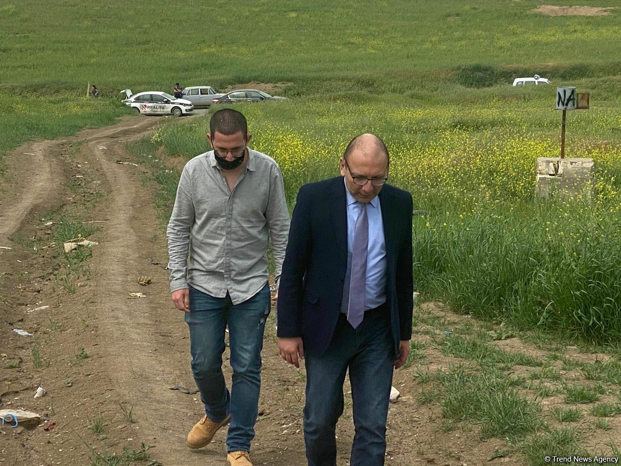 Продолжается визит израильских журналистов на освобожденные территории Азербайджана