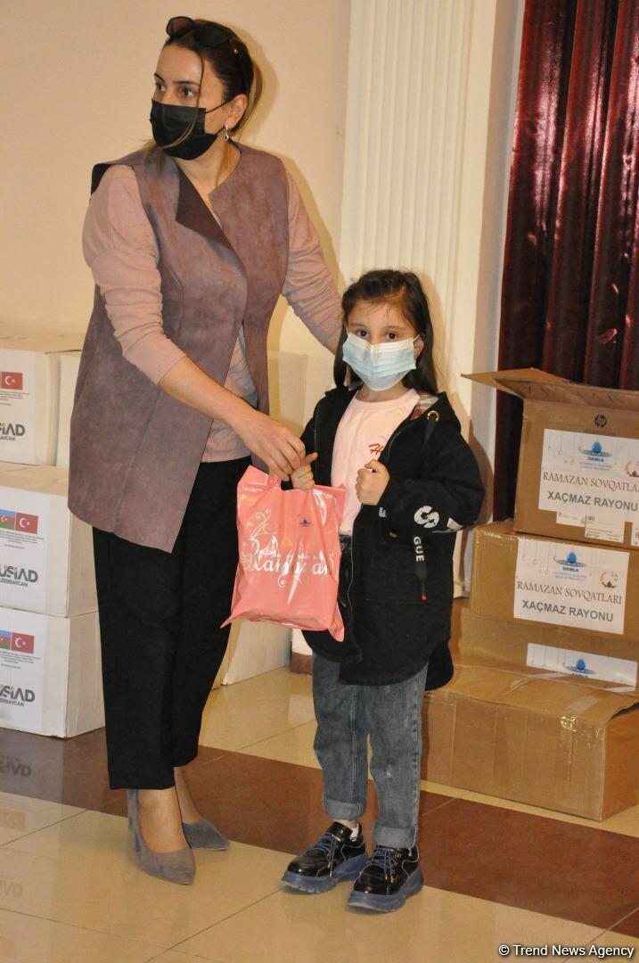 По инициативе депутата Севиль Микаиловой оказана продовольственная помощь семьям шехидов и малообеспеченным семьям в Худате