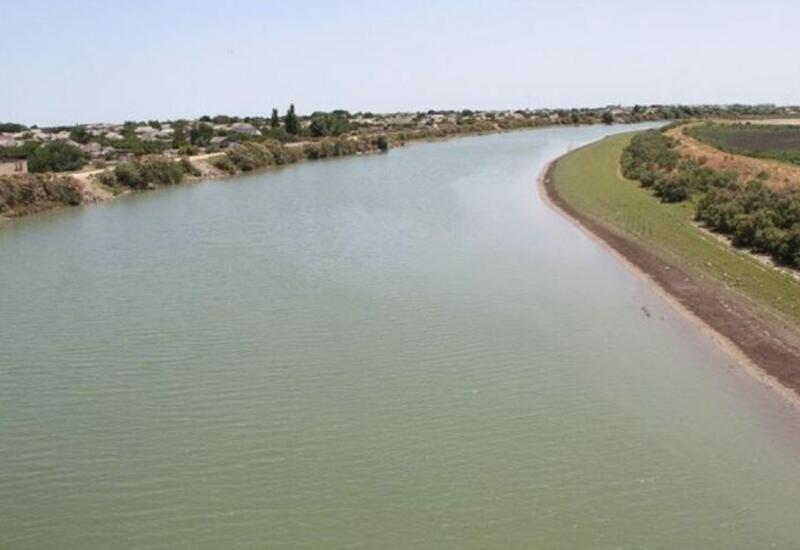 Обнаружено тело подростка, утонувшего в канале в Сиязане