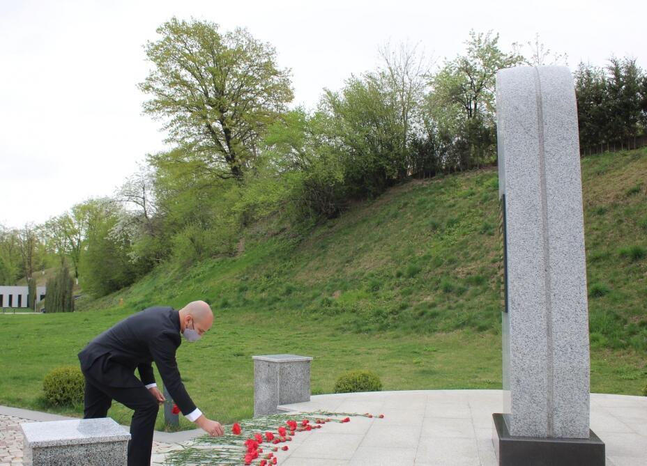 Заместитель посла Израиля посетил Губинский мемориальный комплекс геноцида