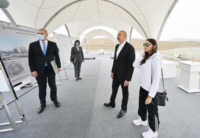 Президент Ильхам Алиев и Первая леди Мехрибан Алиева приняли участие в закладке фундамента Туристического комплекса грязевых вулканов в Абшеронском районе - ФОТО - ВИДЕО