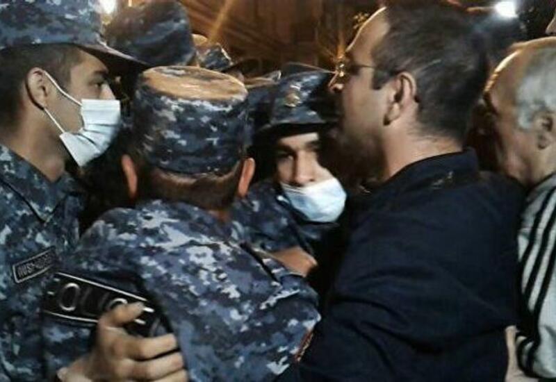 В Ереване задержали 14 человек на акции протеста