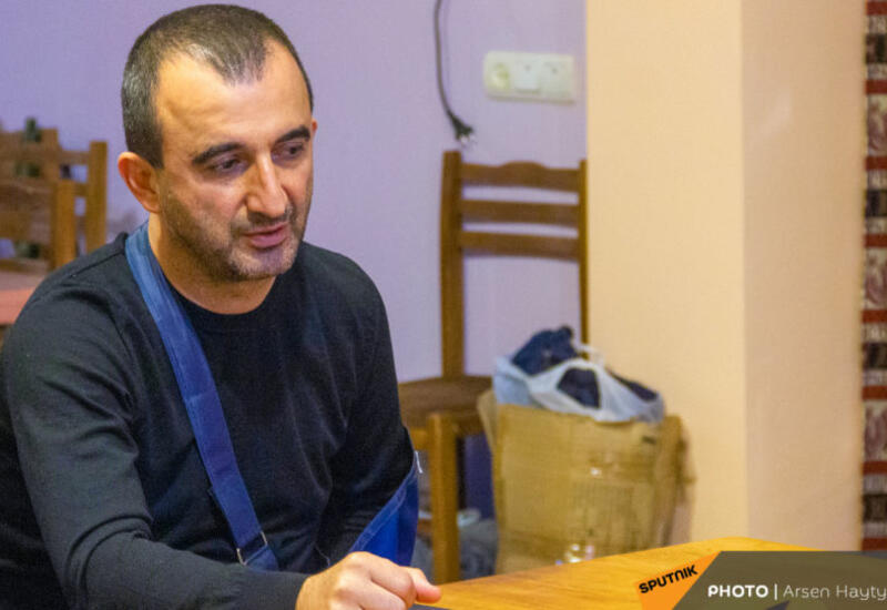 Полиция везет мэра Мегри в Ереван
