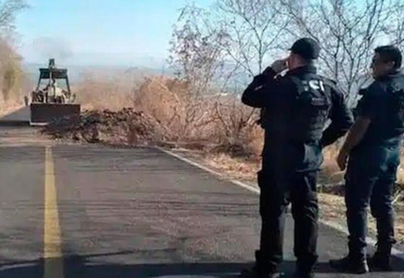 В Мексике наркокартель сбросил взрывчатку на полицейских