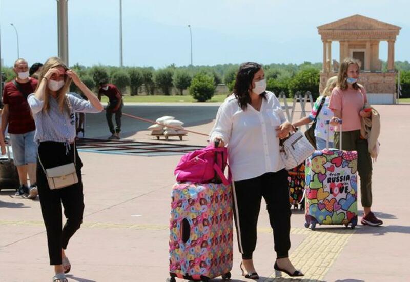 Около 70 процентов российских туристов переносят даты отдыха в Турции