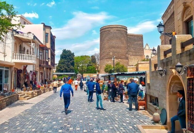 С июня этого года в туристическом секторе Азербайджана ожидается оживление