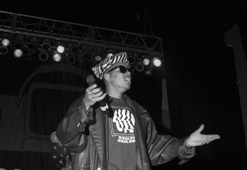 Умер рэпер Shock G из запустившей карьеру Тупака группы Digital Underground