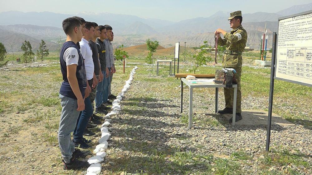 Ордубадские школьники приняли участие в занятиях армии Нахчывана