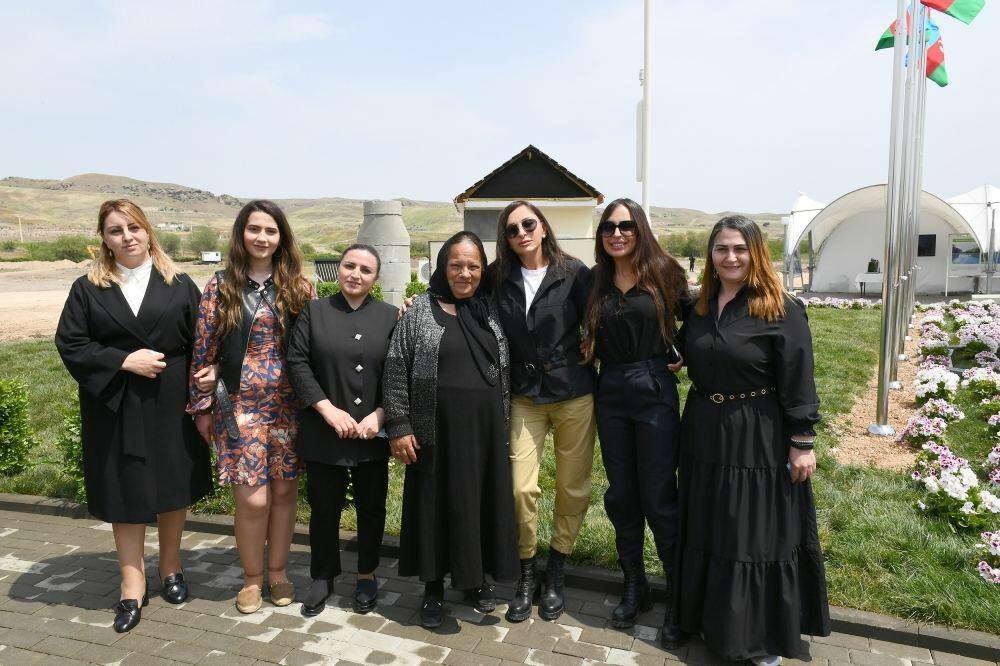 Президент Ильхам Алиев встретился с жителями Зангиланского района