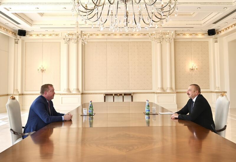 """Президент Ильхам Алиев принял президента и главного исполнительного директора компании """"Boeing Commercial Airplanes"""""""