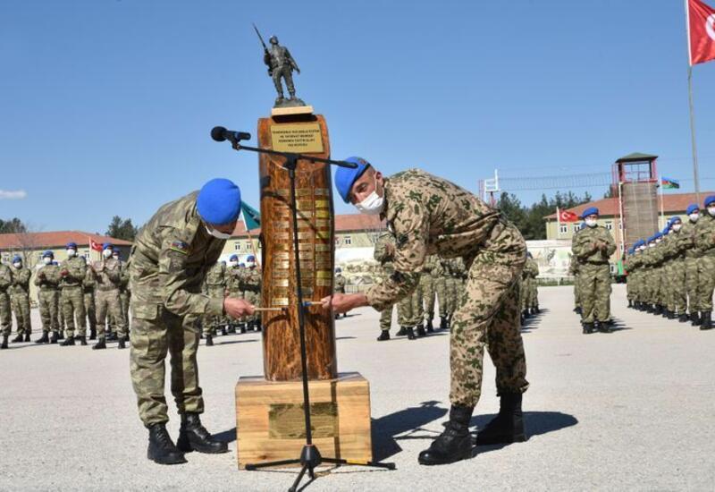 Азербайджанские военнослужащие успешно завершили курсы в Испарте