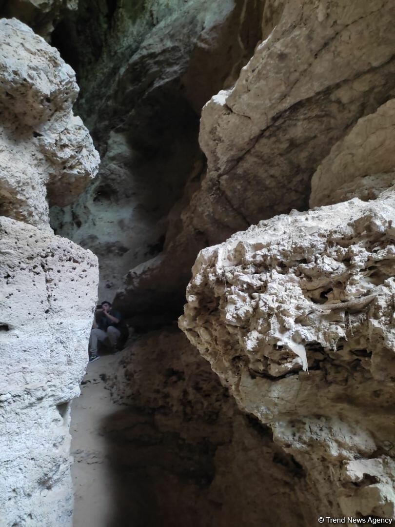 Журналисты побывали в Азыхской пещере
