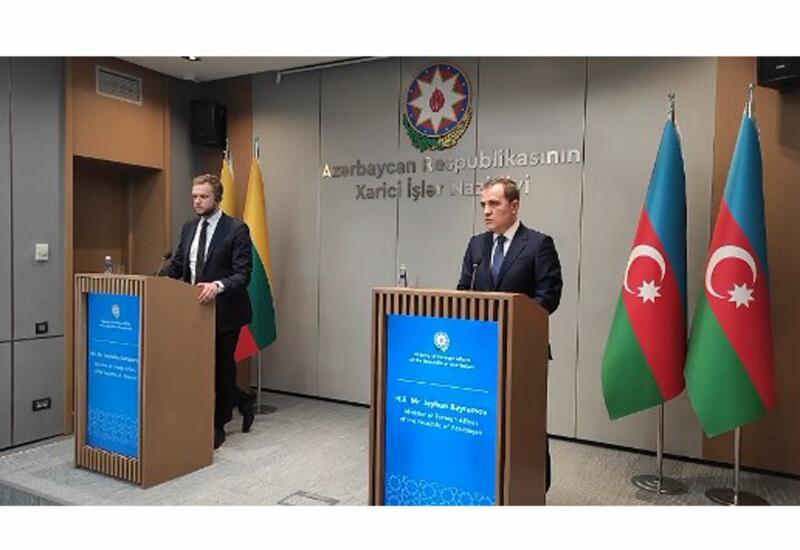 Главы МИД Азербайджана и Литвы провели пресс-конференцию