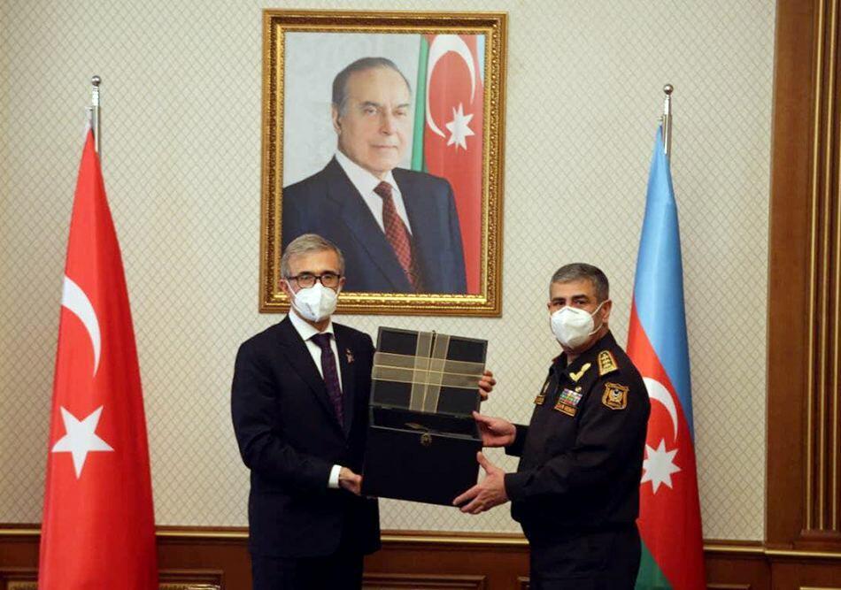 Баку и Анкара обсудили военно-техническое сотрудничество