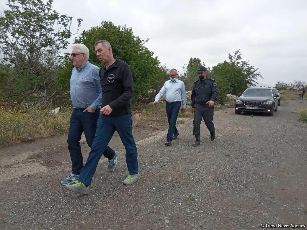 Российские депутаты и эксперты находятся в Агдаме
