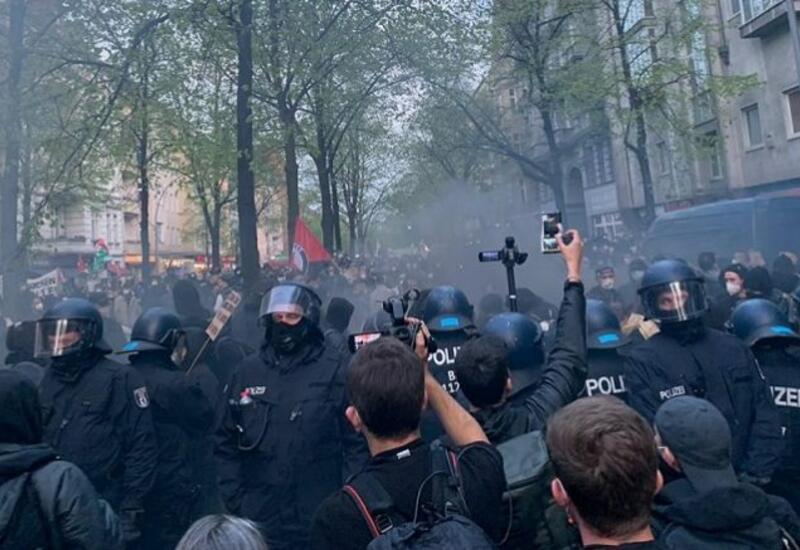 На первомайских демонстрациях в Берлине задержали около 240 человек