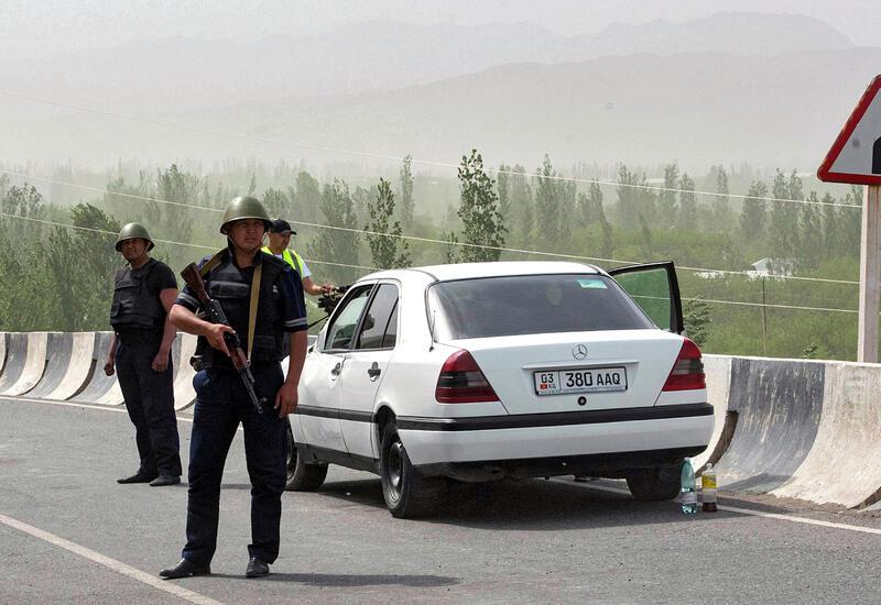 Киргизия эвакуировала 33 тысячи человек из зоны конфликта