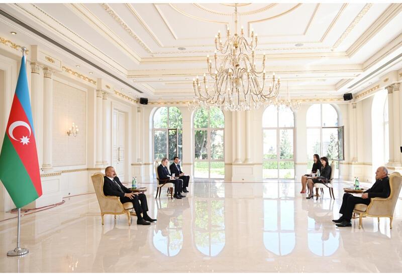 Президент Ильхам Алиев: Азербайджан и Сербия продолжат поддерживать и отстаивать интересы друг друга