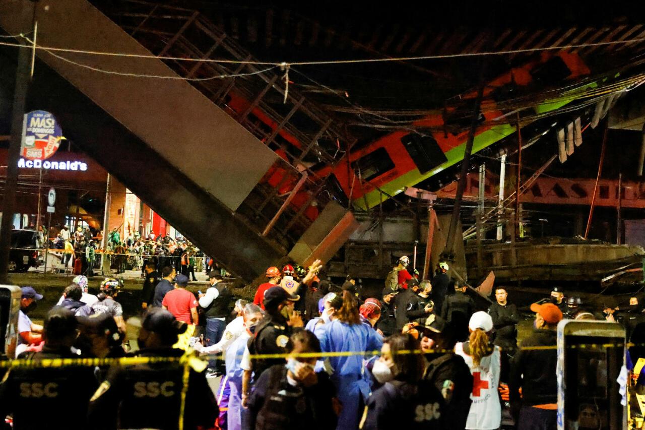 20 погибших: кадры с места обрушения метромоста в Мехико