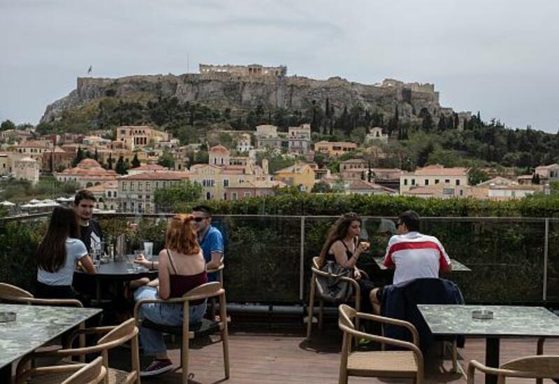 В Греции спустя 6 месяцев открылись кафе и рестораны