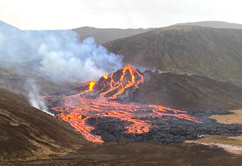В Исландии с еще большей активностью проснулся вулкан
