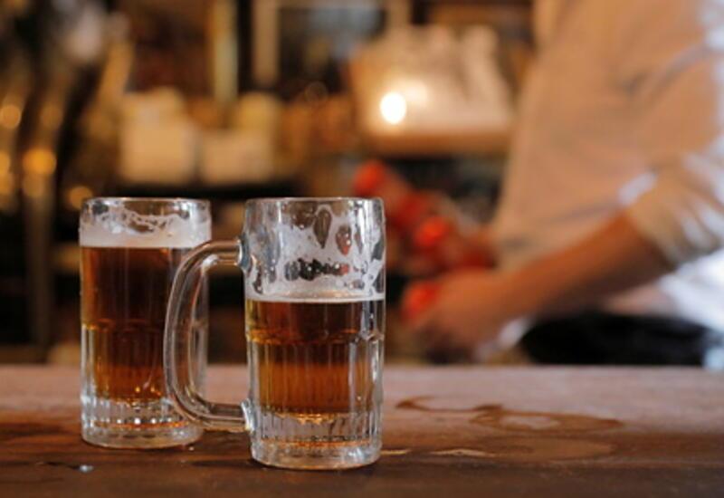 Жителям американского штата раздадут пиво за прививки от коронавируса