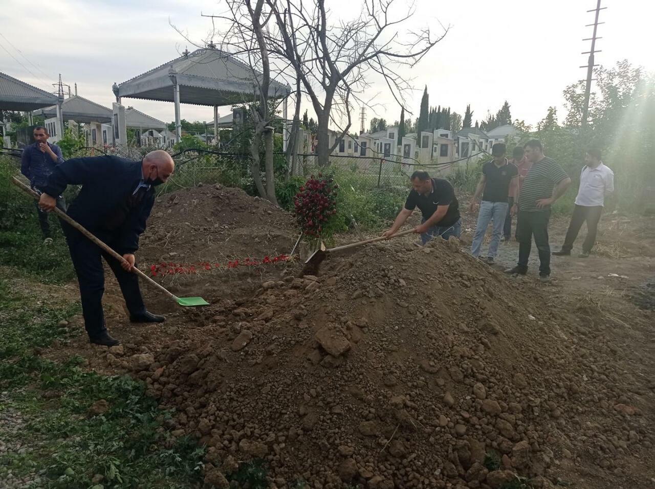Аслана Гусейнова похоронили в Гяндже