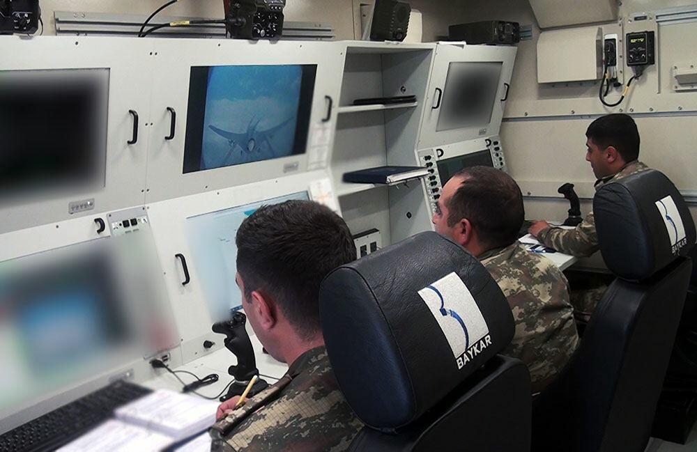 Расчеты БПЛА выполняют учебно-тренировочные полеты