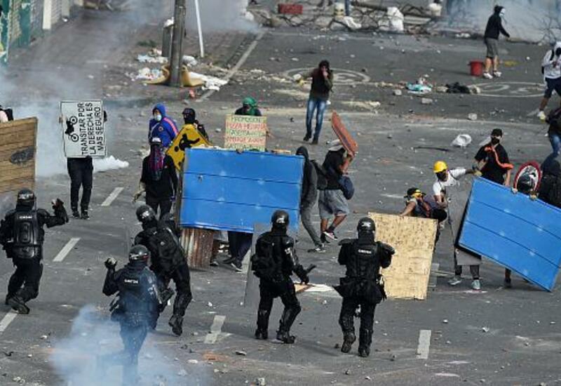 Демонстрации против налоговой реформы в Колумбии