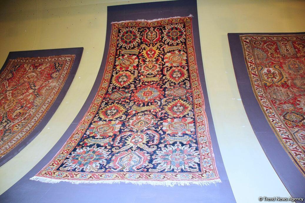 В Азербайджан возвращен уникальный карабахский ковер XVIII века