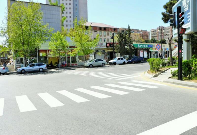 Ограничивается движение по одной из центральных улиц Баку