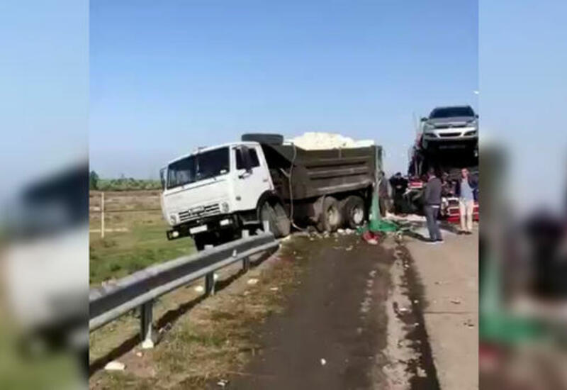 Тяжелое ДТП на трассе Баку-Газах