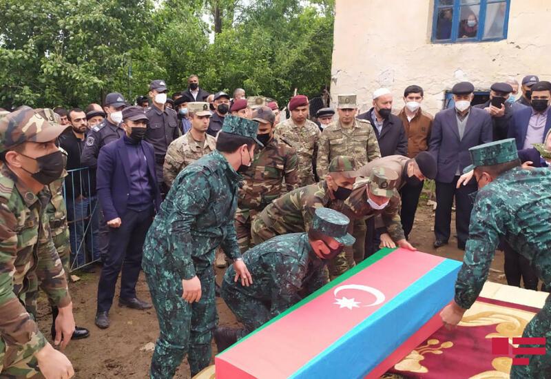 В Лерике проходит церемония прощания с шехидом Отечественной войны