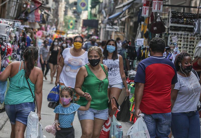 В Рио-де-Жанейро отменили запрет на пляжный отдых и перемещение по городу ночью