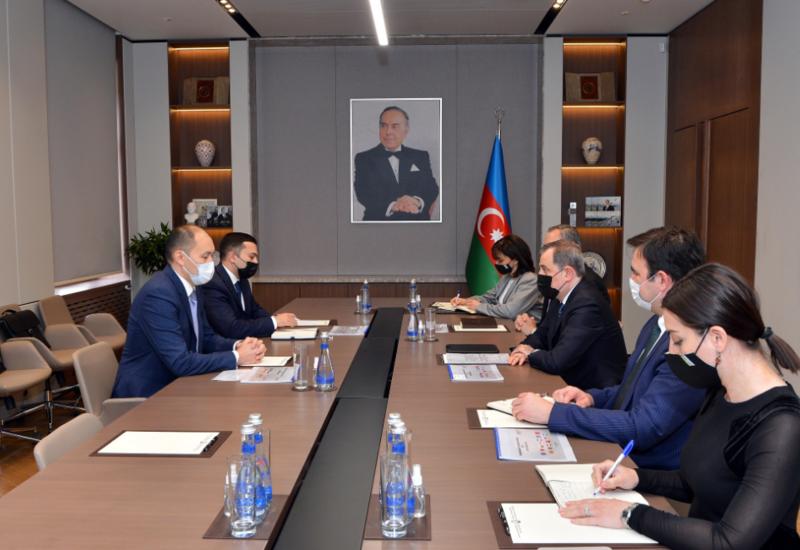 Генсек TRACECA о реализации крупных проектов в Азербайджане