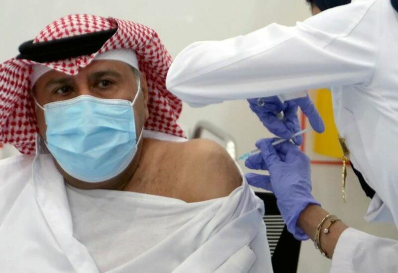 В Саудовской Аравии не пустят на работу не привитых от коронавируса