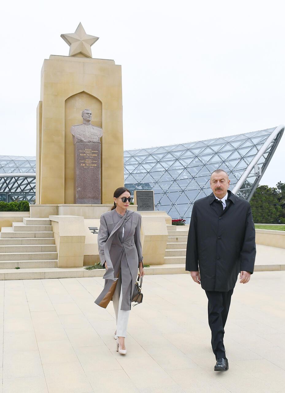 Президент Ильхам Алиев и Первая леди Мехрибан Алиева почтили память сынов Азербайджана, внесших неоценимый вклад в Победу над фашизмом