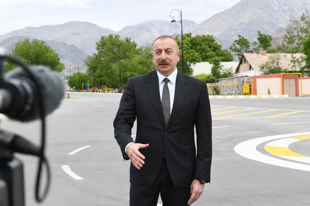 Президент Ильхам Алиев дал интервью Азербайджанскому телевидению