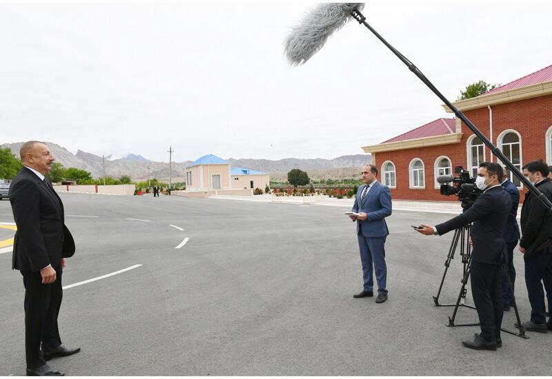 Президент Ильхам Алиев: Находившийся в то время у власти тандем НФА-Мусават мобилизовал все возможности для того, чтобы сместить Гейдара Алиева в Нахчыване