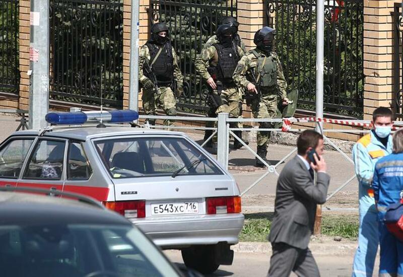 Стало известно о семи заложниках в школе в Казани
